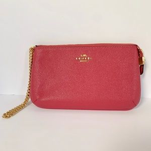 NWT COACH F73044 LARGE WRISTLET WITH GOLD CHAIN